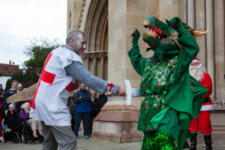 St_Albans_Mummers_production_of_St_George_and_the_Dragon,_Boxing_Day_2015-7